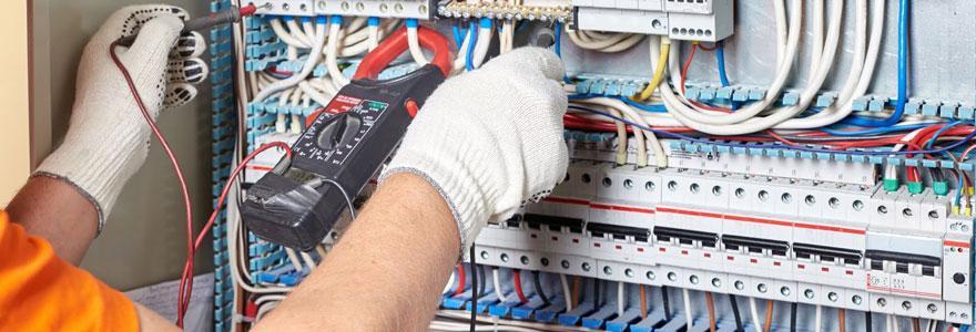 Appareillages et matériel électrique professionnel destiné au secteur industriel